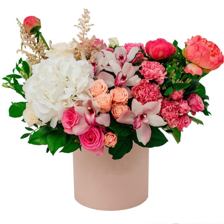 "Цветы в коробке ""Объятия"""