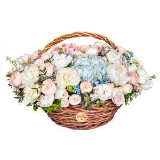 Цветы в корзинке «Совершенство»